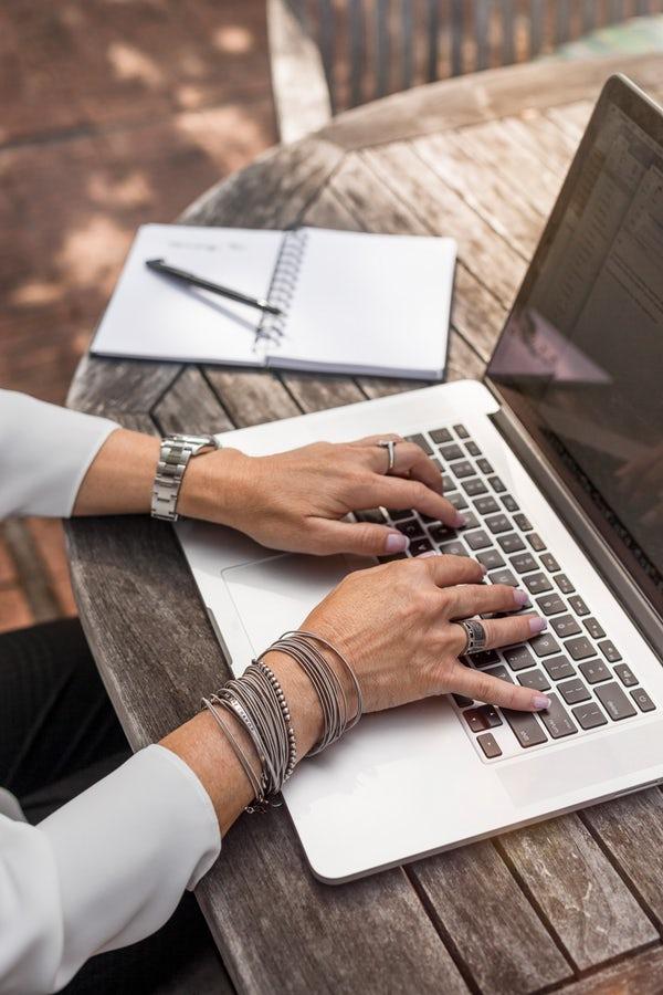 laptop business agenda luat notite profil de linkedin creare